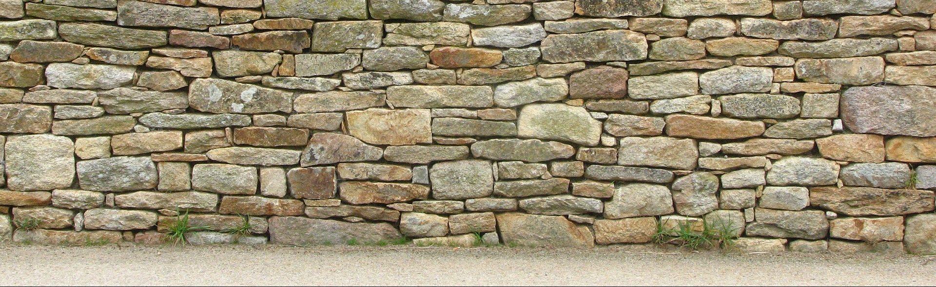 Sur Quoi Poser Un Abri De Jardin réaliser une fondation pour mur de clôture – tout sur le béton
