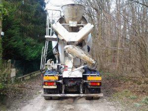 largeur camion toupie