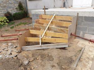 coffrage escalier extérieur en béton